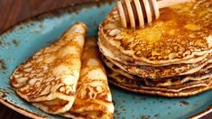 The most fluffy pancakes in the job - Culinary recipes - Romanian and from the . - The most fluffy pancakes in the job – Culinary recipes – Romanian and from the … - Paleo Recipes, Crockpot Recipes, Sweet Recipes, Cooking Recipes, Romanian Desserts, Romanian Food, Halloumi Burger, Food Categories, Diy Food
