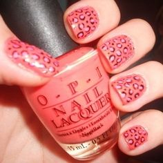 Google Image Result for http://static.becomegorgeous.com/img/arts/2011/Jan/24/3640/nail_art_leopard_1_thumb.jpg