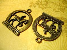 8 Large Lucky Horseshoe Victory Racing Charms Ant Brass. Starting at $3 on Tophatter.com!