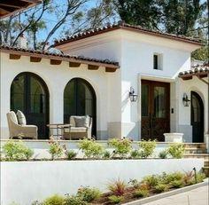 Spanish Colonial Homes, Spanish Style Homes, Spanish House, Spanish Revival, Spanish Bungalow, Future House, Design Entrée, Design Ideas, Mediterranean Homes Exterior