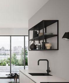 Het FERRO stalen reksysteem van Kvik heeft een ruwe, industriële look, die perfect in het minimalistische, Scandinavische huis past. Bekijk hier het stalen rek.