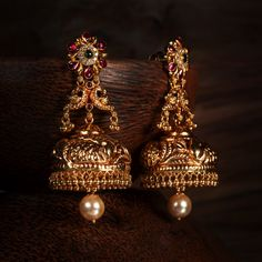 Mega annual jewellery sale in bangalore Gold Jhumka Earrings, Indian Jewelry Earrings, Jewelry Design Earrings, Gold Earrings Designs, Gold Jewellery Design, Temple Jewellery, Jhumka Designs, Gold Mangalsutra, Antique Jewellery