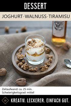 Cremiger Joghurt trifft knackige Walnuss: Dieses Dessert bringt sie dem Himmel ein Stück naher! #joghurt #walnuss #tiramisu #rezept #dessert #nachtisch #nachspeise Foodblogger, Oatmeal, Breakfast, Desserts, Tiramisu Recipe, Yogurt, Heaven, Ice, Treats