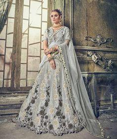 Looking to buy Indian lehenga choli online? Shop latest designer lengha choli online for women. Party Wear Lehenga, Bridal Lehenga Choli, Indian Lehenga, Silk Lehenga, Pakistani Bridal, Anarkali, Lengha Choli Online, Bridesmaid Saree, Bollywood Dress