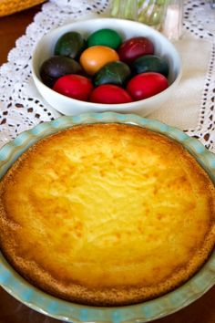This Easy Romanian Traditional Easter Cheesecake is a version of Pasca, a bread filled with sweet cheese and raisins that is very popular in many European countries, especially in Eastern Europe. Romanian Recipes, Sicilian Recipes, Romanian Food, Turkish Recipes, Greek Recipes, Easy Easter Recipes, Easter Dinner Recipes, Easy Recipes, Festive Bread
