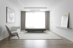 [허스크] 용강동 마포리버파크 25평 아파트 인테리어 : 네이버 블로그 Oversized Mirror, Living Room Decor, Interior, Furniture, Home Decor, House, Drawing Room Decoration, Decoration Home, Den Decor