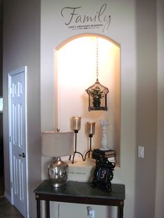 alcove idea - like the hanging lantern Corner Wall Decor, Wall Nook, Art Niche, Niche Decor, Entryway Decor, Bedroom Decor, Focal Wall, Entry Way Design, Alcove Ideas