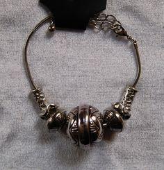 Enkelband / Armband met kralen van verschillende grootte (omtrek 20-25 cm)…