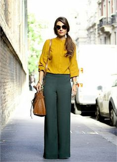 Zara Makes It Easy to Shop Street Style Outfits Pantalon Verde, Trouser Outfits, Green Pants Outfit, Outfit Vestidos, Dark Green Pants, Bluse Outfit, Pantalon Large, Yellow Blouse, Yellow Sweater