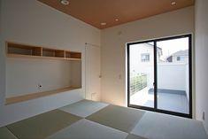 一段上がった畳敷きの寝室