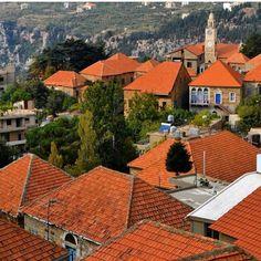 The terracotta rooftops of Hasroun.