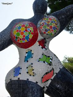 Niki de Saint Phalle - abstract mosaic sculpture