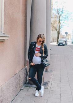 Pregnancy Outfit @monasdailystyle  http://www.monasdailystyle.com/2017/05/10/levis/