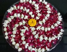 Rangoli Designs Flower, Rangoli Ideas, Rangoli Designs Diwali, Flower Rangoli, Beautiful Rangoli Designs, Flower Designs, Diwali Decorations At Home, Festival Decorations, Flower Decorations