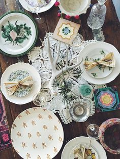 Hostess With The Mostess: Mismatched Thanksgiving Table Setting | Free People Blog #freepeople