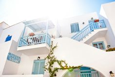 Visit Sigma Studios and enjoy your vacation in Naxos within walking distance from the beach(20 steps), the city(4 minutes) and the Port of Naxos(15 minutes)!! Budget accommodation!!