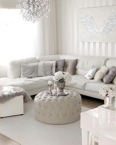 Säihkettä ja ylellistä hurmaa olohuoneeseen. New Living Room, Living Room Sofa, Dining Room, White Sofas, Interior Decorating, Interior Design, Room Paint, Living Room Designs, Open Space