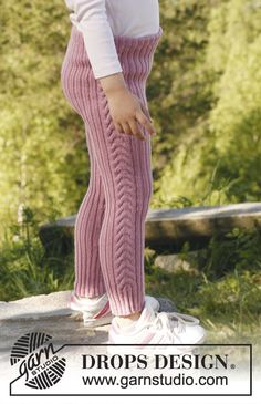 "Cecilie / DROPS Children - free knitting patterns by DROPS design, DROPS trousers in rib pattern in ""Baby Merino"". Size 3 to 12 years. Free patterns by DROPS Design. Baby Knitting Patterns, Knitting For Kids, Free Knitting, Crochet Patterns, Drops Design, Knit Leggings, Baby Leggings, Knitted Tights, Girls Sweaters"
