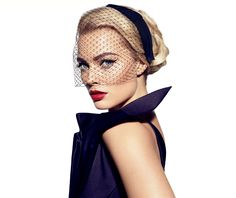 Margot Robbie, star of The Wolf of Wall Street, channeling Old Hollywood glamour… Margo Robbie, Margot Robbie Wolf, Actress Margot Robbie, Lauren Hutton, Vogue Paris, Beauty And Fashion, Fashion News, Daily Fashion, Old Hollywood Glamour