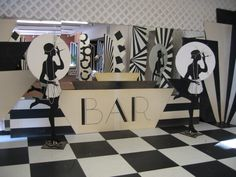Art deco ideas for cardboard cutouts Roaring Twenties Party, Roaring 20s Theme, Flapper Party, 1920s Party, Retro Party, Gangster Party, Dance Themes, Prom Themes, Diy 20s Decorations