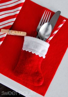 Christmas holiday Clothes Pin DIY Place Cards