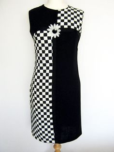 I coveted one just like this; black & white check, colour-blocked with solid black Pop Art Fashion, 60s And 70s Fashion, 60 Fashion, Fashion History, Retro Fashion, Vintage Fashion, Fashion Design, Retro Mode, Mode Vintage