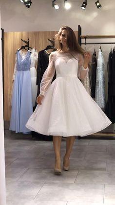 Wedding Dress Bustle, Civil Wedding Dresses, Wedding Party Dresses, Dress Party, Cute Simple Dresses, Stylish Dresses, Pretty Dresses, Fashion Dresses, Elegant White Dress