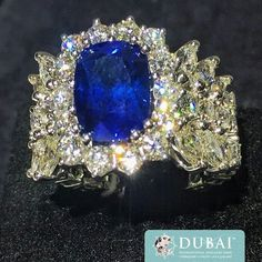 This unique oval-shaped sapphire engagement ring by Hasbani Gioielli S.p.A attracted a lot of attention from #DIJW visitors this year. #BeUniqueDIJW