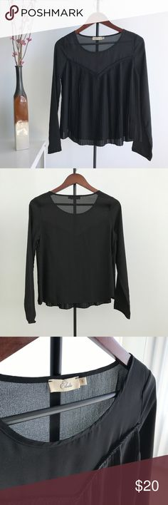 """Elodie Nordstrom Black Pleated Blouse Soft-flowing blouse with a pleated sweetheart front. Super cute and comfortable. Match with skinny jeans, heels, and a clutch for a chic look. Pair with shorts, a small crossbody bag and flats for a more """"girly"""" look.  Pre-owned. Excellent condition. No holes or stains. Size S 100% Polyester Elodie Tops Blouses"""