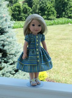 SUPER SATURAY SALE 14 Size / Historical 1950s Dress and
