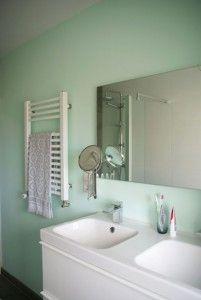 Zeegroene badkamer