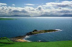 Irish coast between Donegal town n de Slieve League cliffs, near de fishing port of Killybegs. Killybegs, Donegal_ North Ireland