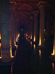 Cisterna de la basílica, Estambul! http://m.youtube.com/watch?v=f7p0vo7QDgI