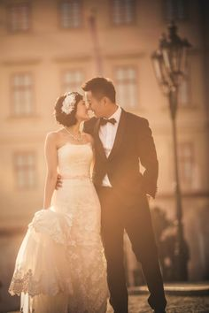 Suki & Steven's beautiful pre wedding portraits at Prague Castle by American Photographer Kurt Vinion Prague Castle, Wedding Portraits, Destination Wedding, Europe, Wedding Photography, Romantic, American, Couples, Wedding Dresses