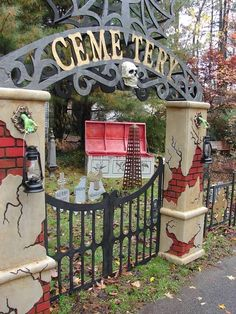 Halloween 2009 - Lots of party pictures, love the look of this cemetery, has a carnevill theme to the photos.