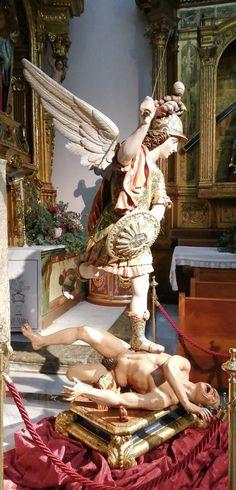 Saint Michael, Kunst Online, Knight Art, Ideas Creativas, Archangel Michael, Catholic Art, Sculptures, Spirituality, Faith