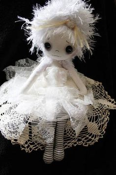 Little Lilly; Another Victorian Ghost Doll! - TOYS, DOLLS AND PLAYTHINGS Victorian ghost doll. I love creepy dolls, not zombies though, I love Victorian/Gothic dolls, very cute! This one has a cute poem with it too if you check the original post :) Zombie Dolls, Voodoo Dolls, Creepy Dolls, Toy Art, Fabric Dolls, Paper Dolls, Rag Dolls, Gothic Dolls, Monster Dolls