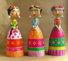 Amazing paper mache: mauricio perez: expoartesanias 2014 I am loving this man's artwork!go to site Paper Mache Clay, Paper Mache Sculpture, Paper Mache Crafts, Polymer Clay Crafts, Clay Art, Bottle Painting, Bottle Art, Paper Dolls, Art Dolls