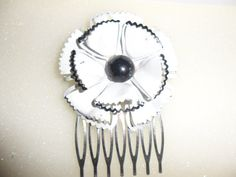 Authentic Vintage Beautiful Black and White Enamel Hair Comb