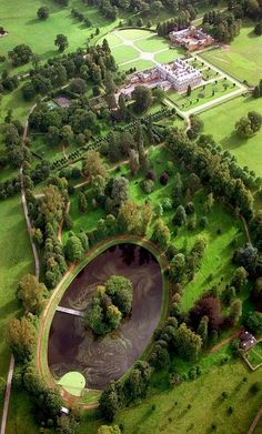 Peaceful ... The grave of Diana, the late Princess of Wales lies on the island in the lake. Althorp Estate, Northamptonshire, UK