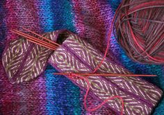 Syne Mitchell walks  us through the beginning stage of tablet (or card) weaving in this excellent article in Weavezine.