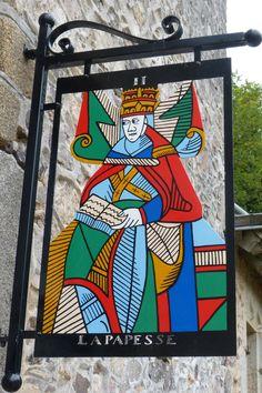 Enseigne style médiéval 53270 Saint Suzanne (mayenne)