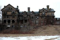 Abandoned http://www.opacity.us/site11_bennett_school_for_girls.htm