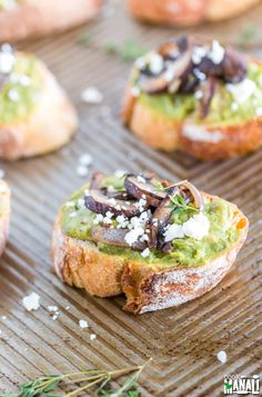 Toasted bread topped with mashed avocado, mushrooms and feta cheese! This Avocado Mushroom Crostini is full of flavors and comes together quickly! Find the recipe on www.cookwithmanali.com