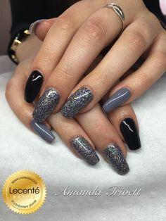 #lecente Iron #glitter in action!!! #nails by #amandatrivett #brandambassador…