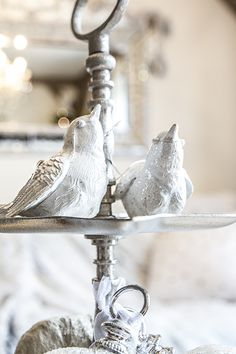 Hvit julefugl med sølvglitter