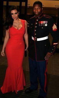 Kim Kardashian - Red Fitted Mermaid Style Dress