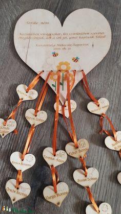 Lézervágott Fa, Diy For Kids, Decoupage, Place Cards, Preschool, Presents, Place Card Holders, Creative, How To Make