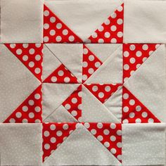 Quilt Around The World - round 2 starter block Quilting Room, Quilting Projects, Quilting Designs, Sewing Projects, Patchwork Quilting, Star Quilt Blocks, Star Quilts, Quilt Block Patterns, Quilt Corners