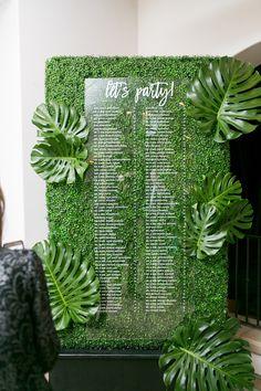 23 Ideas Wedding Seating Chart Ideas Tropical For 2019 Seating Arrangement Wedding, Wedding Reception Seating, Seating Chart Wedding, Seating Charts, Wedding Table, Beach Wedding Decorations, Country Club Wedding, Wedding Signs, Wedding Ideas